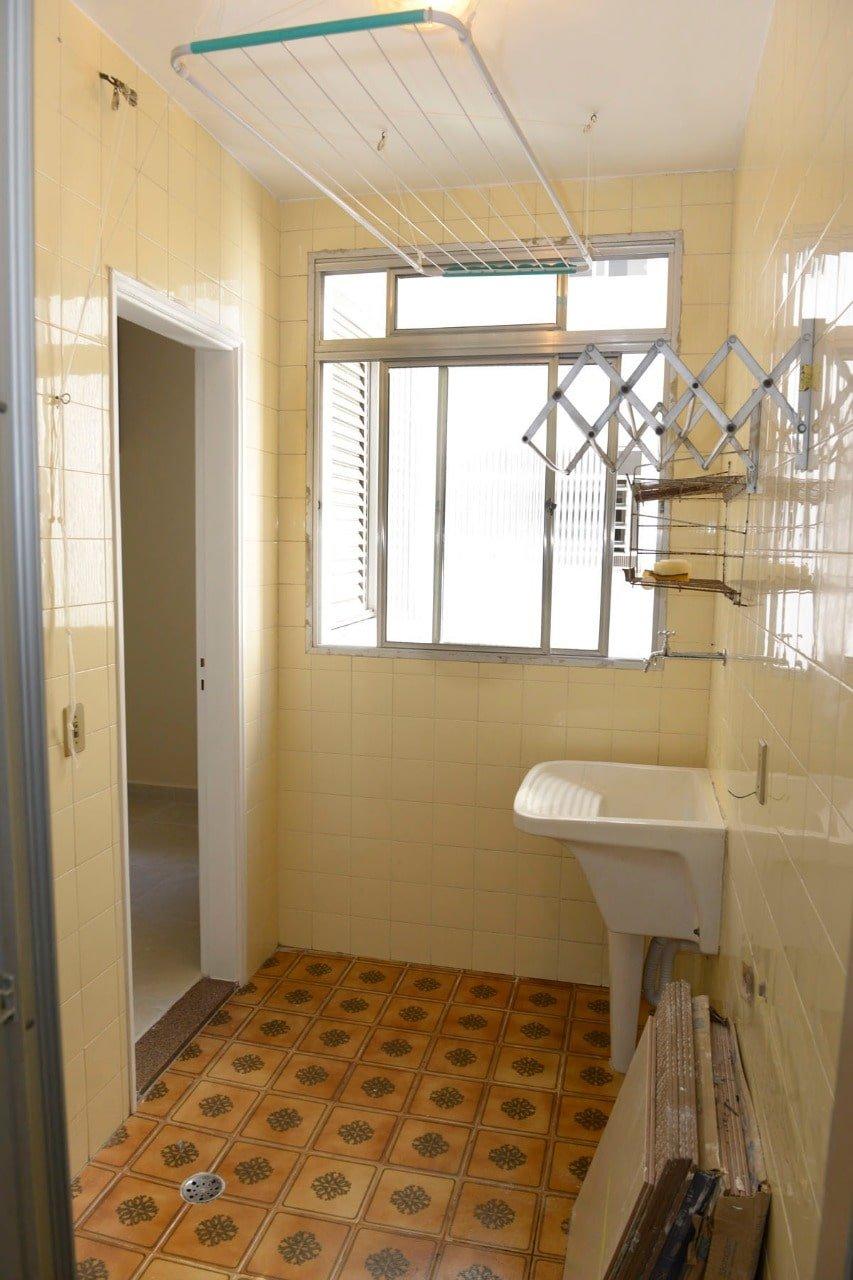 Amplo apartamento Boqueirão ( canal 4) de 1 dormitório com uma área interna de 61,m². - foto 7