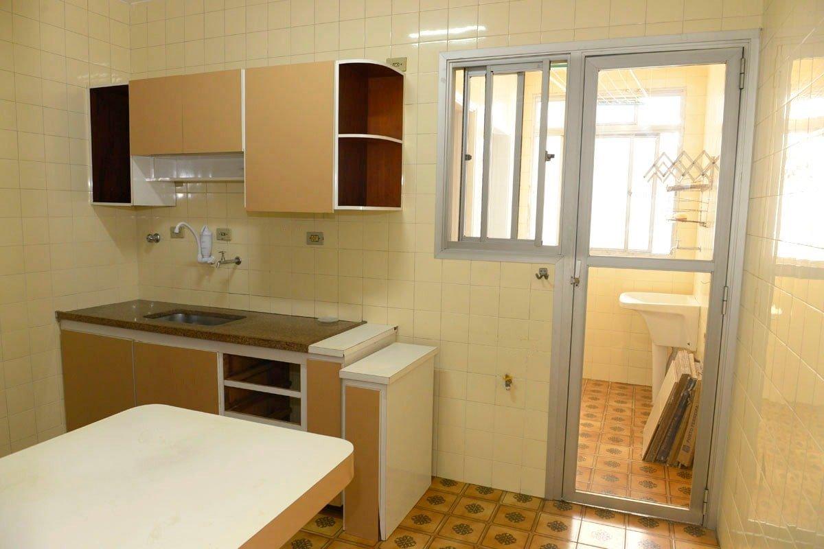 Amplo apartamento Boqueirão ( canal 4) de 1 dormitório com uma área interna de 61,m². - foto 4