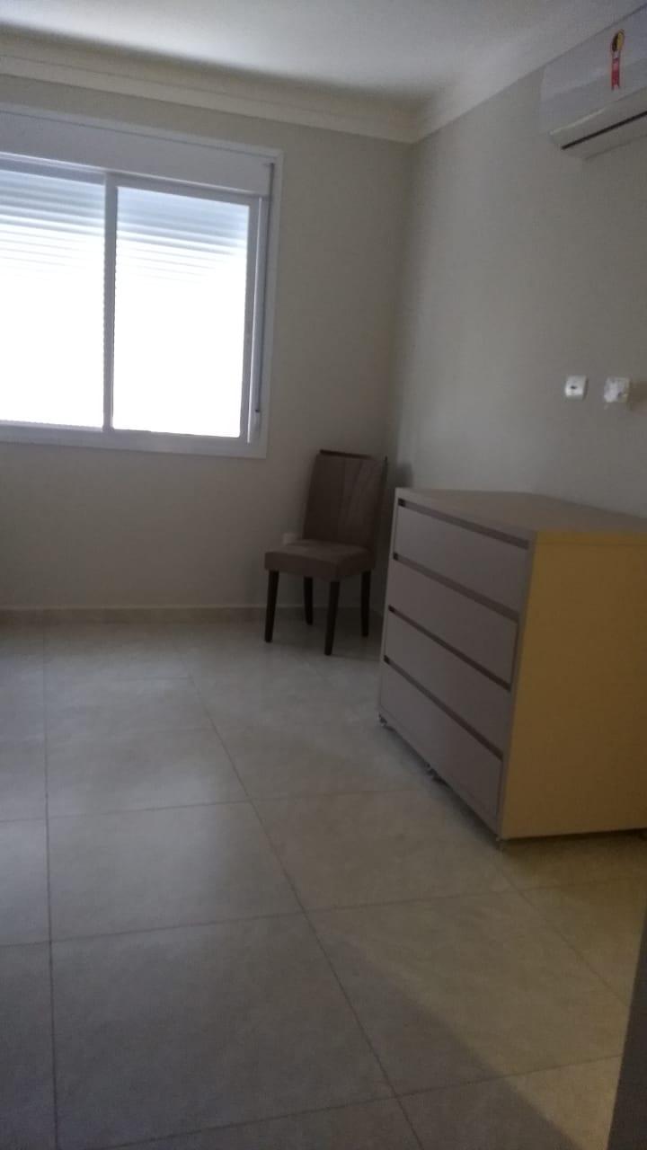 Boqueirão em Santos vendo apartamento todo reformado com 3 dormitórios sendo 2 suítes. - foto 13