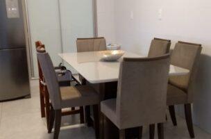 Boqueirão em Santos vendo apartamento todo reformado com 3 dormitórios sendo 2 suítes.