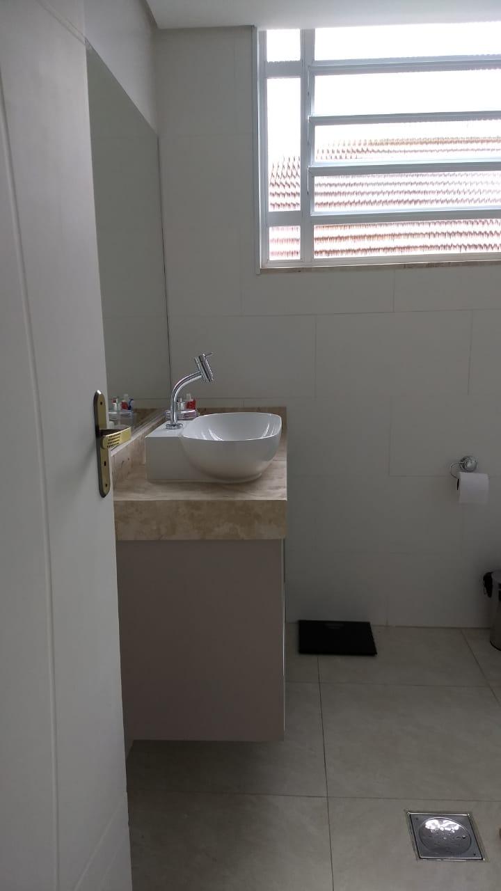 Boqueirão em Santos vendo apartamento todo reformado com 3 dormitórios sendo 2 suítes. - foto 3