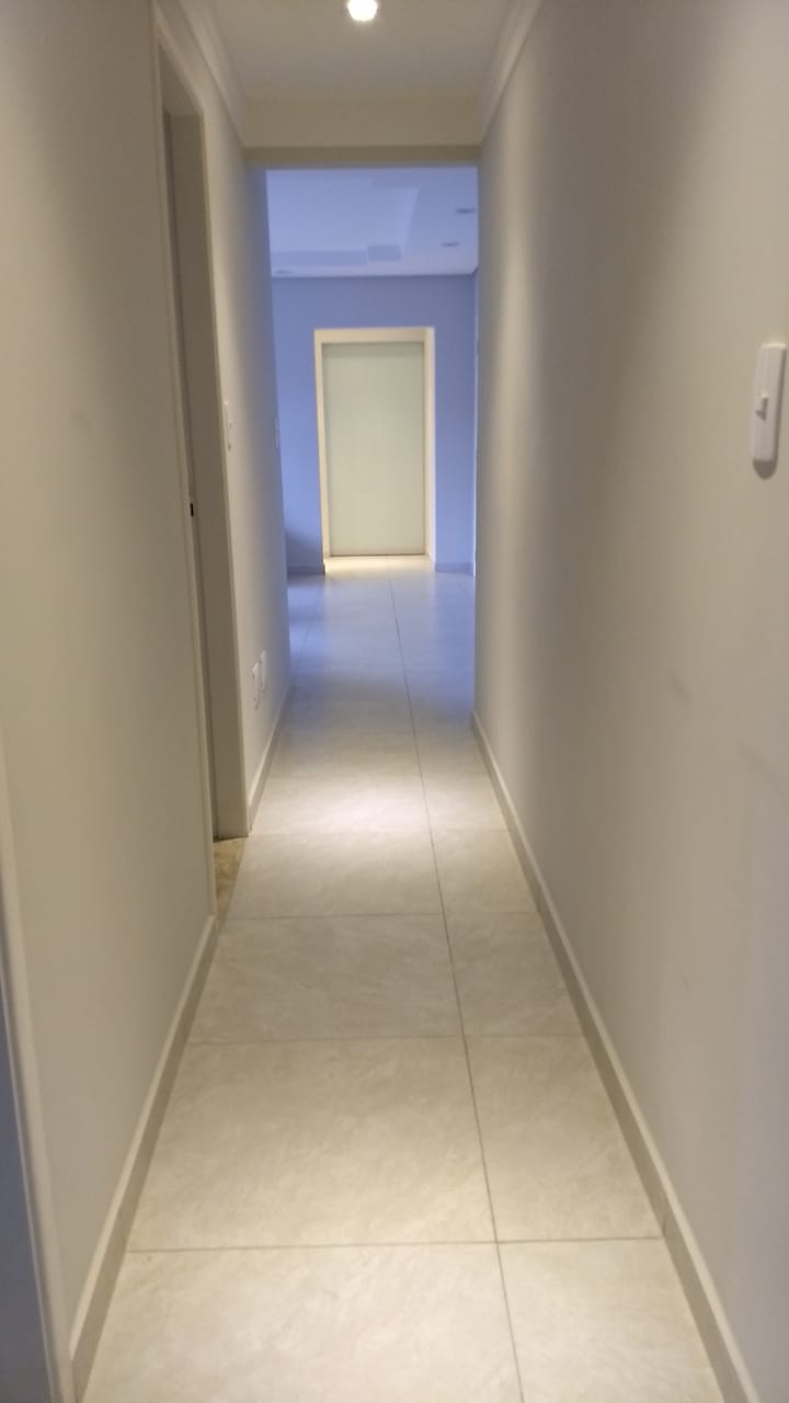 Boqueirão em Santos vendo apartamento todo reformado com 3 dormitórios sendo 2 suítes. - foto 2