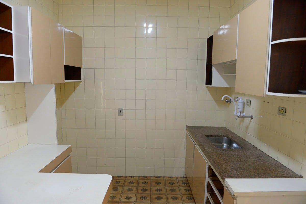 Amplo apartamento Boqueirão ( canal 4) de 1 dormitório com uma área interna de 61,m². - foto 2