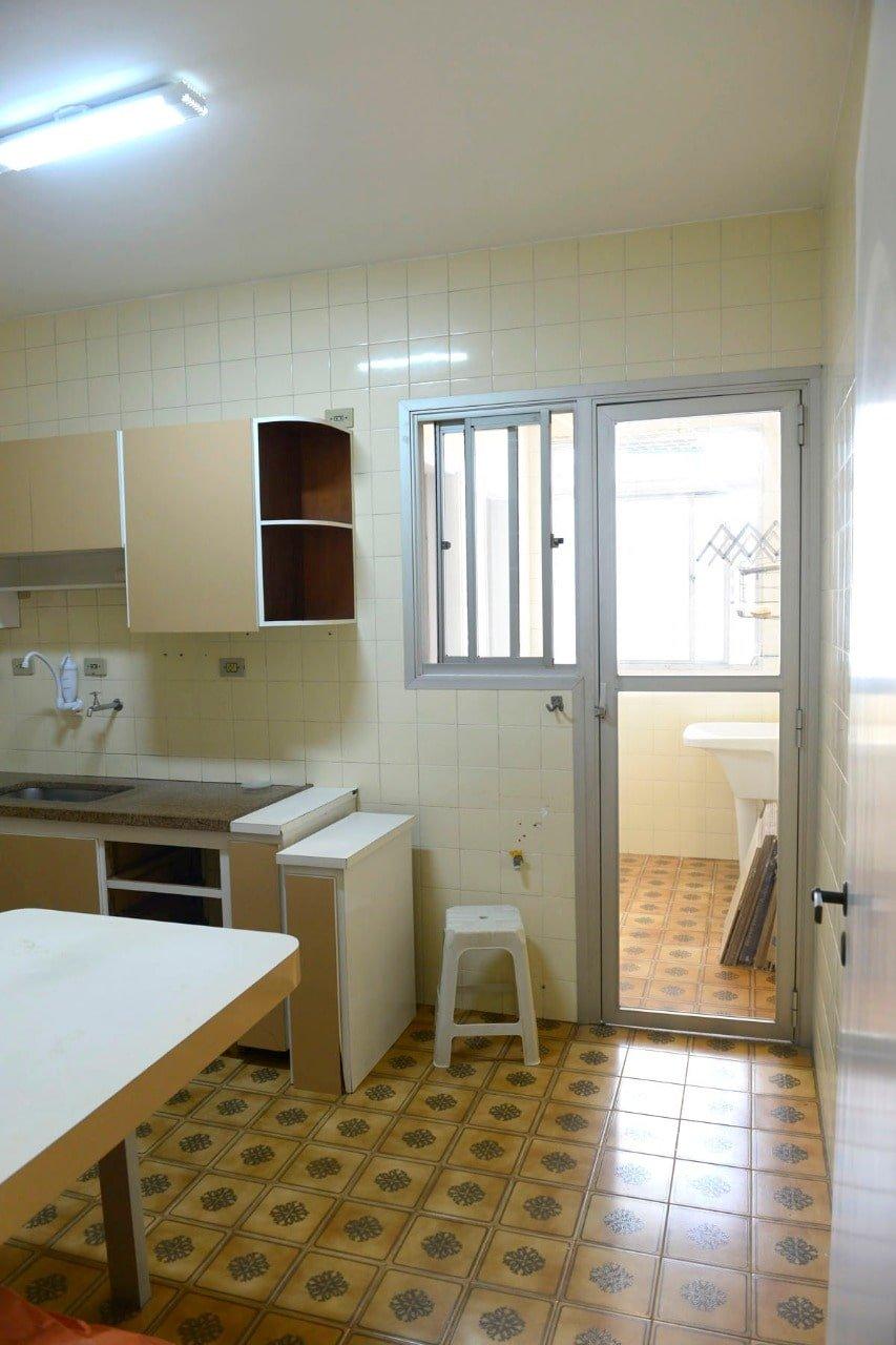 Amplo apartamento Boqueirão ( canal 4) de 1 dormitório com uma área interna de 61,m². - foto 1
