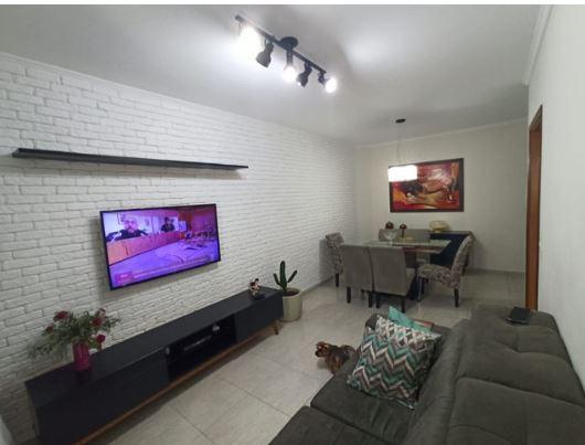 Casa com 3 quartos, sendo um suíte, sala 2 ambientes, três banheiros e duas vagas de garagem. - foto 19