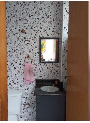 Casa com 3 quartos, sendo um suíte, sala 2 ambientes, três banheiros e duas vagas de garagem. - foto 18