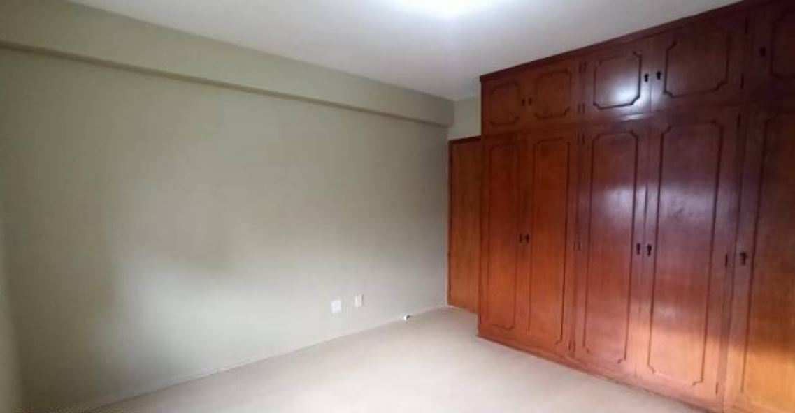 Amplo apartamento no Gonzaga, com ótima vista Livre, 02 dormitórios com armários embutidos, com uma suíte, com dependência completa de empregada. - foto 15