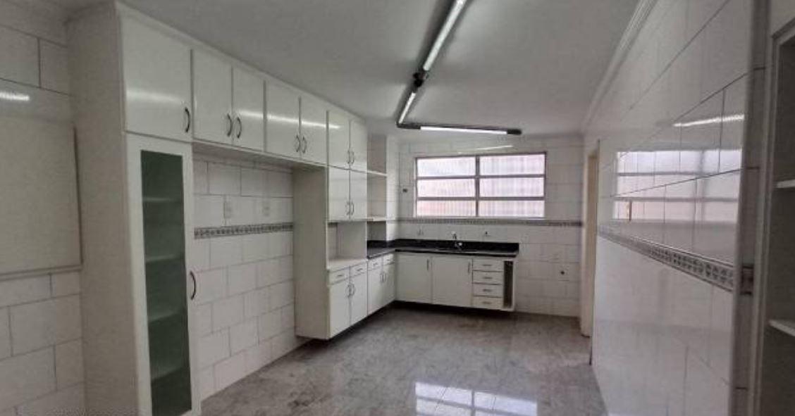 Amplo apartamento no Gonzaga, com ótima vista Livre, 02 dormitórios com armários embutidos, com uma suíte, com dependência completa de empregada. - foto 11