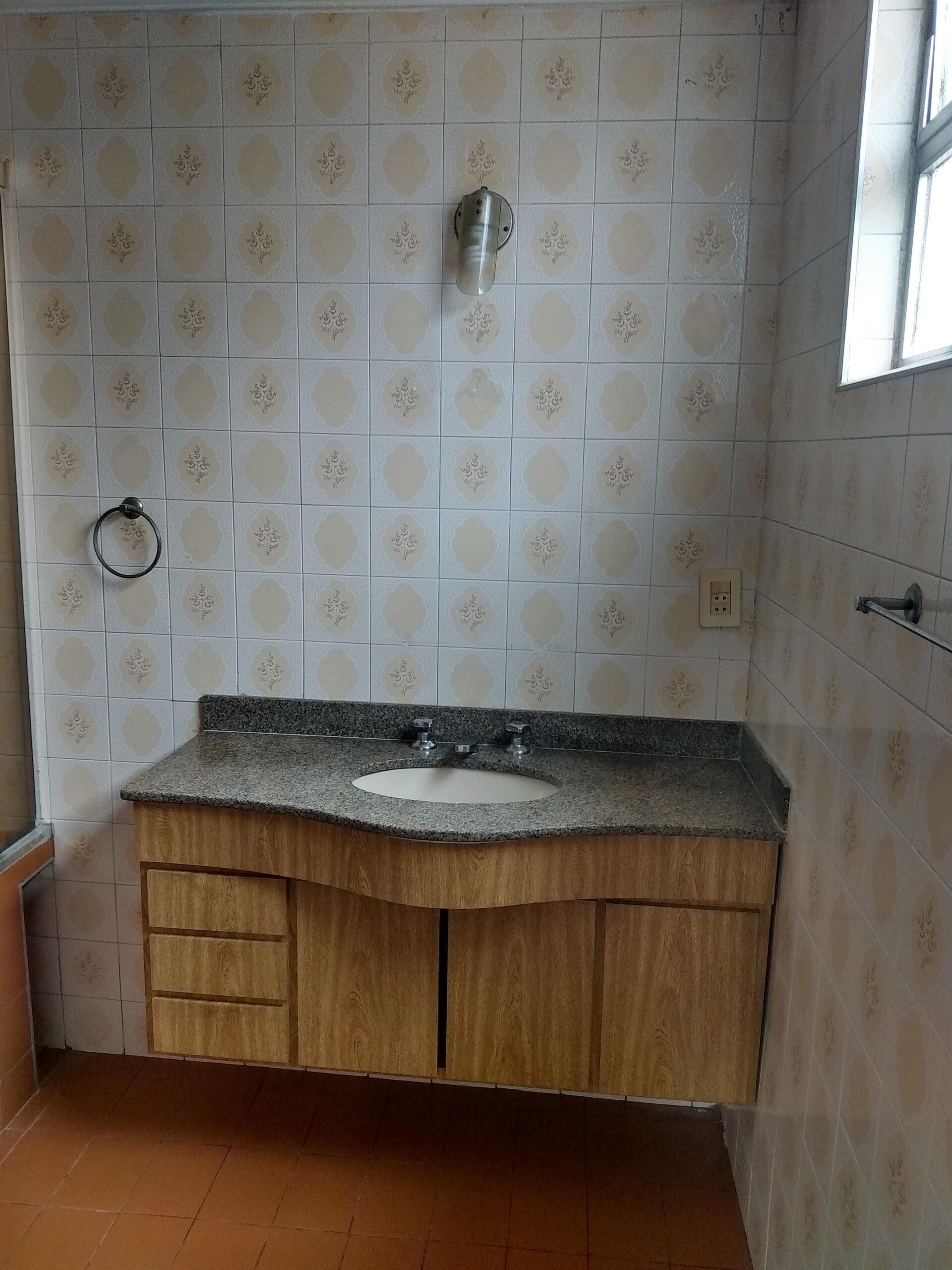Amplo apartamento no Gonzaga, com ótima vista Livre, 02 dormitórios com armários embutidos, com uma suíte, com dependência completa de empregada. - foto 23