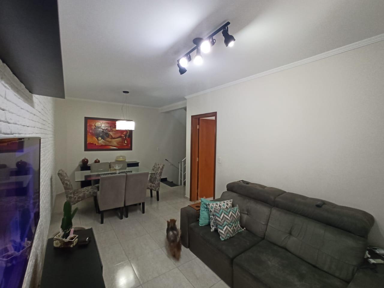 Casa com 3 quartos, sendo um suíte, sala 2 ambientes, três banheiros e duas vagas de garagem. - foto 9