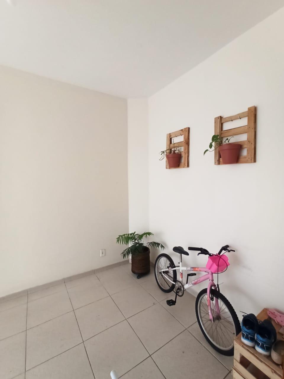 Casa com 3 quartos, sendo um suíte, sala 2 ambientes, três banheiros e duas vagas de garagem. - foto 17