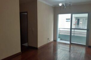 Ótimo apartamento 2 dormitórios,vila matias em Santos com sala para 2 ambientes com sacada.