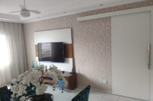 Apartamento 3 dormitórios bem arejado, iluminado, todo reformado, com piso frio e papel de parede,garagem fechada.