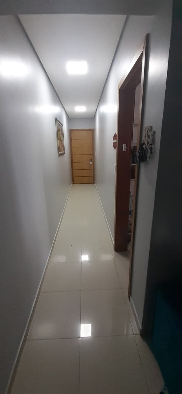 Apartamento no  Macuco com sala ampla com sacada e atende 2 ambientes 2 dormitorios sendo 1 suite. - foto 9