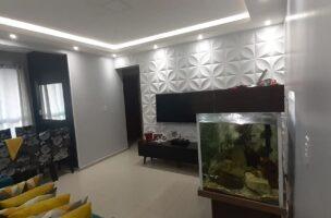 Apartamento no  Macuco com sala ampla com sacada e atende 2 ambientes 2 dormitorios sendo 1 suite.