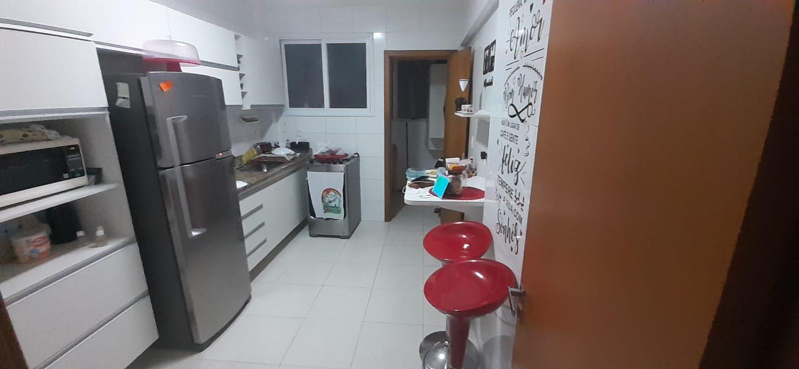 Apartamento no  Macuco com sala ampla com sacada e atende 2 ambientes 2 dormitorios sendo 1 suite. - foto 7