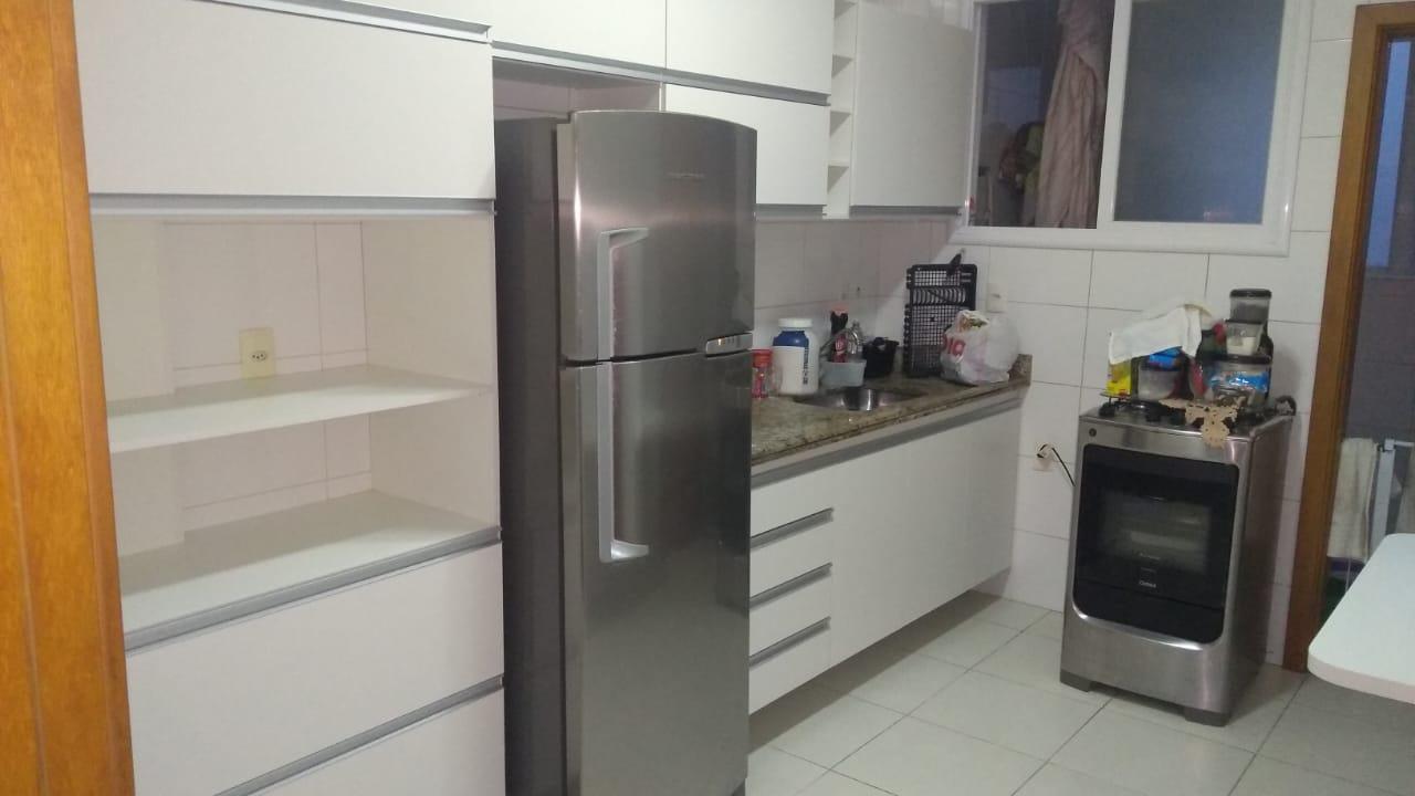 Apartamento no  Macuco com sala ampla com sacada e atende 2 ambientes 2 dormitorios sendo 1 suite. - foto 6
