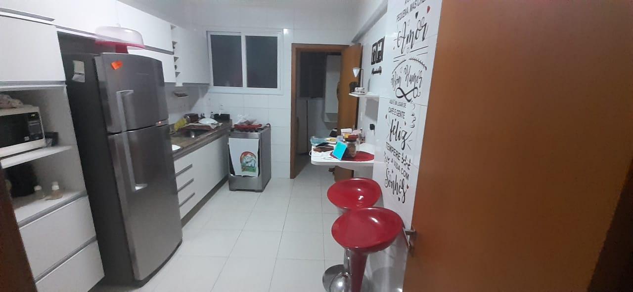 Apartamento no  Macuco com sala ampla com sacada e atende 2 ambientes 2 dormitorios sendo 1 suite. - foto 4