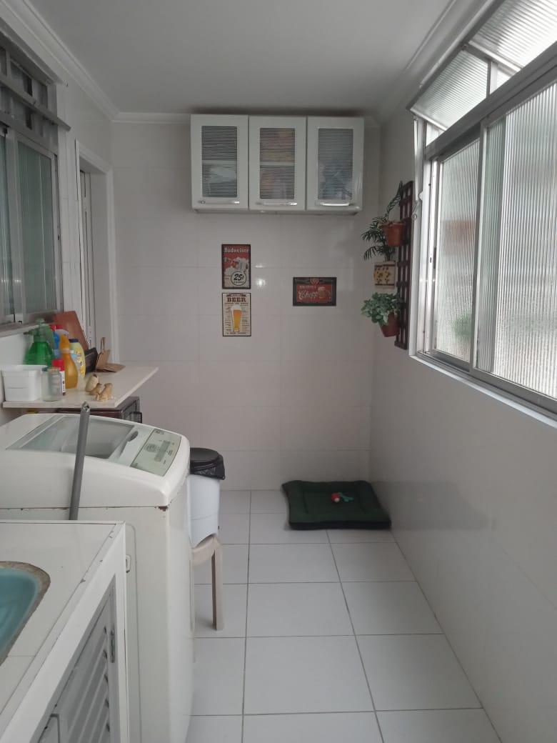 Ponta da praia apartamento de Frente com 3 dormitórios com armários embutidos, sendo 1 suíte. - foto 17