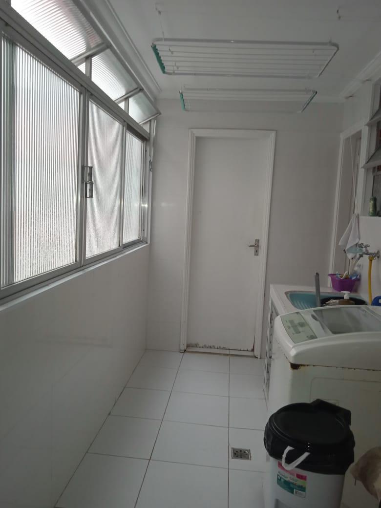 Ponta da praia apartamento de Frente com 3 dormitórios com armários embutidos, sendo 1 suíte. - foto 14