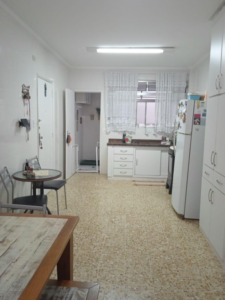 Ponta da praia apartamento de Frente com 3 dormitórios com armários embutidos, sendo 1 suíte. - foto 1