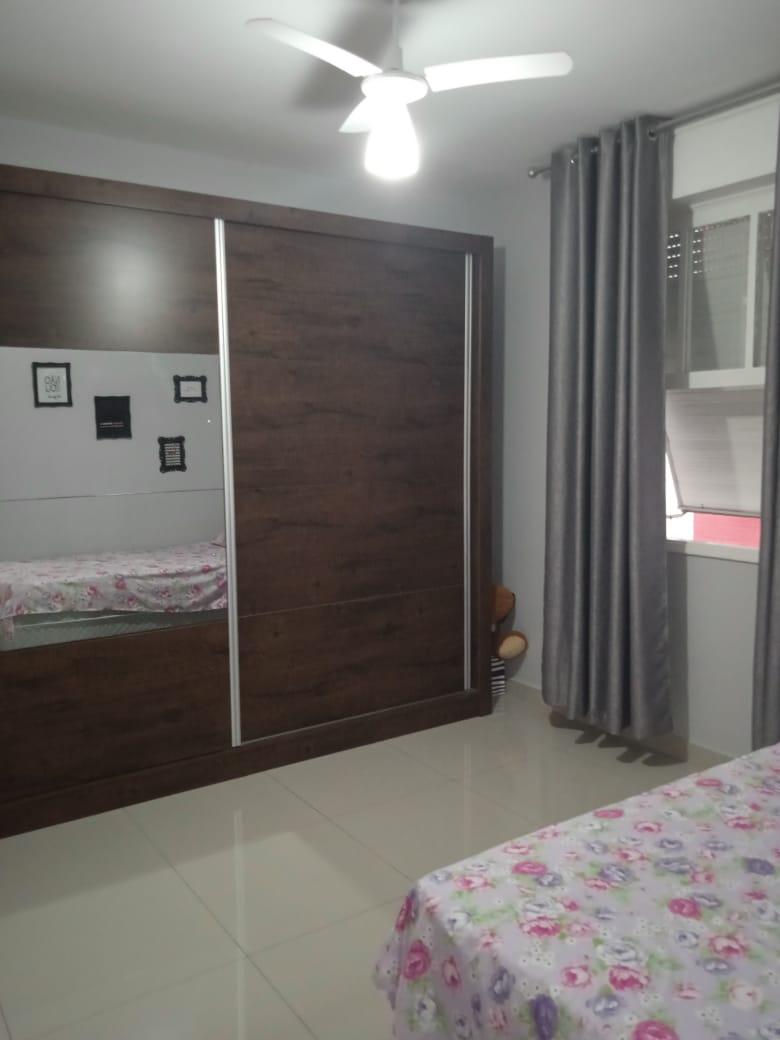 Ponta da praia apartamento de Frente com 3 dormitórios com armários embutidos, sendo 1 suíte. - foto 8