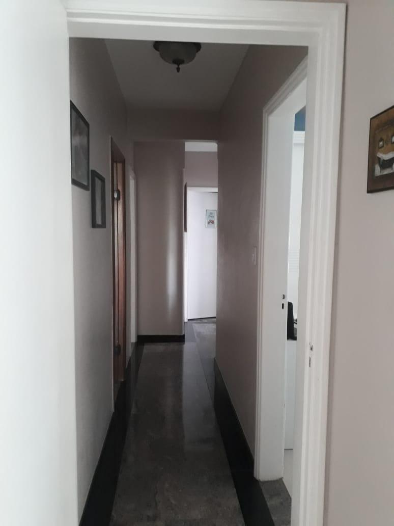 Ponta da praia apartamento de Frente com 3 dormitórios com armários embutidos, sendo 1 suíte. - foto 3