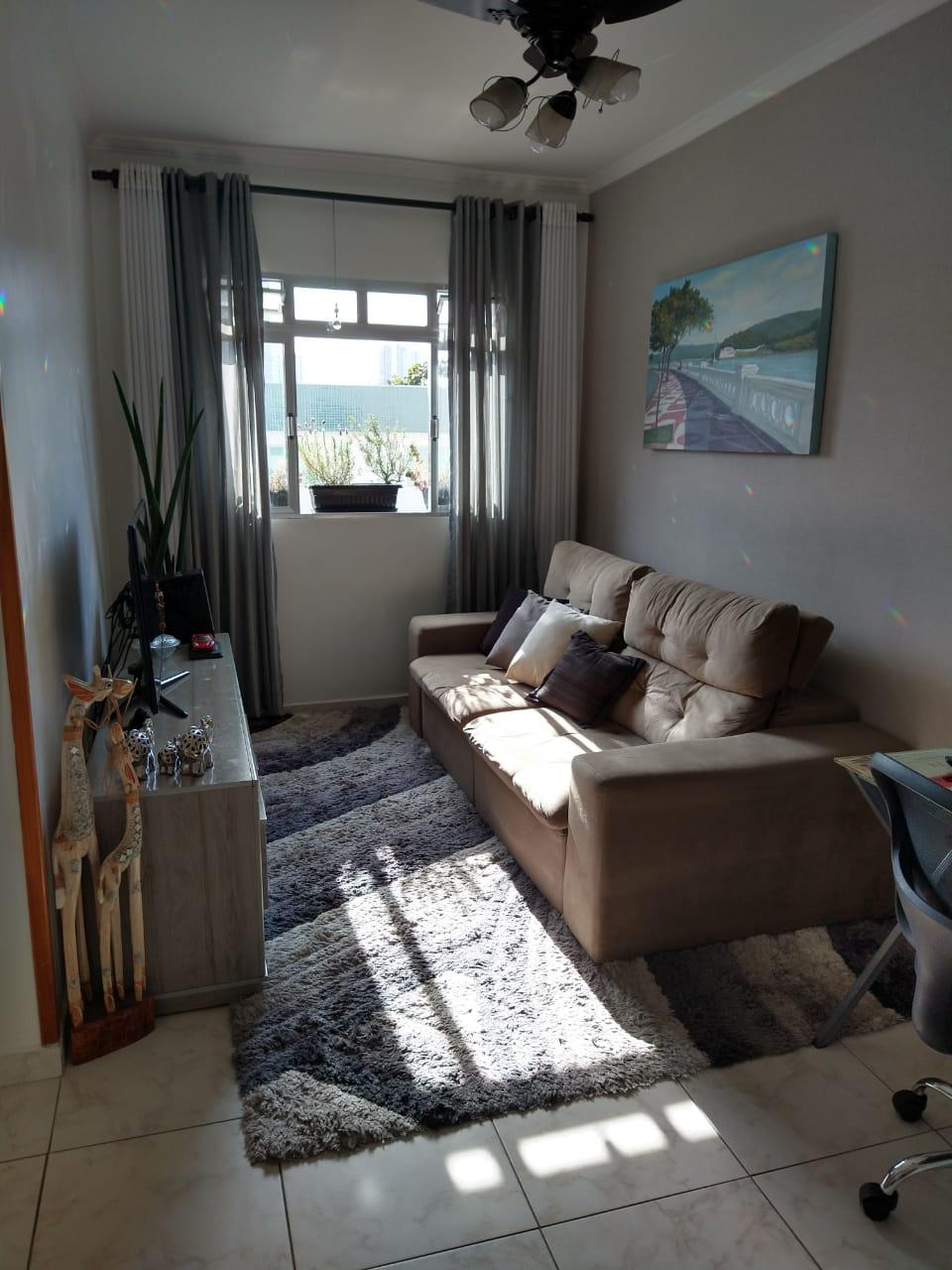 próximo ao canal 5 em prédio de 3 andares , bom apartamento totalmente reformado com 2 dormitórios . - foto 4