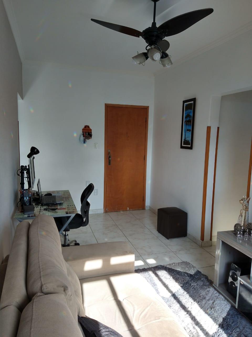 próximo ao canal 5 em prédio de 3 andares , bom apartamento totalmente reformado com 2 dormitórios . - foto 11
