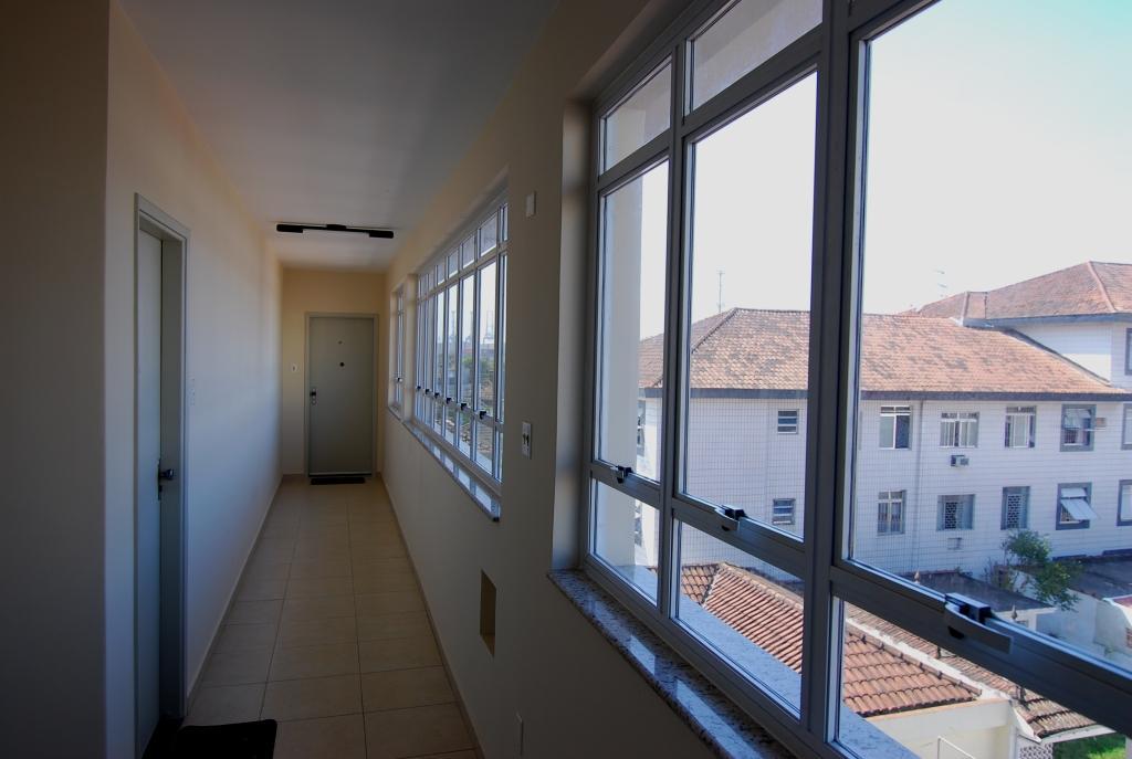 próximo ao canal 5 em prédio de 3 andares , bom apartamento totalmente reformado com 2 dormitórios . - foto 22
