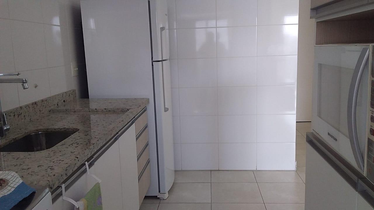 Gonzaga apartamento 2 dormitórios sendo 1 suíte, 78 metros de área útil. Sala 2 ambientes e varandas. - foto 4