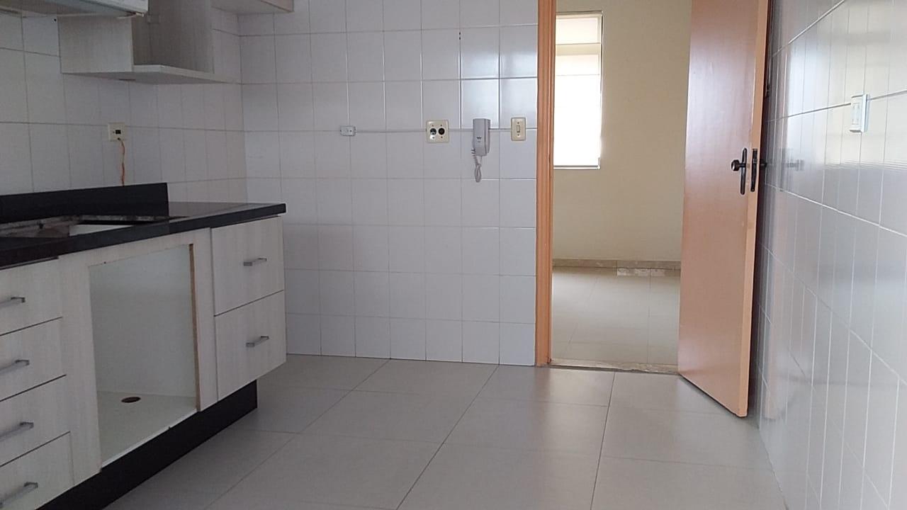 Apartamento 2 dormitórios com suíte próximo canal 4 e Afonso Pena elevador - foto 4